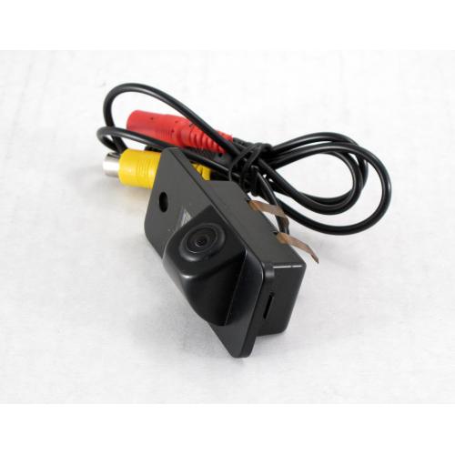 Камера заднего вида Quantoom KAU-0536