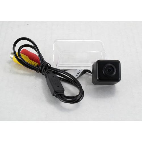 Камера заднего вида Quantoom KCP-1211