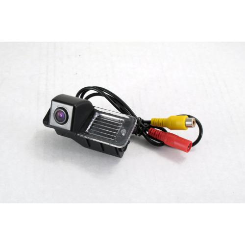Камера заднего вида Quantoom KVU-0836
